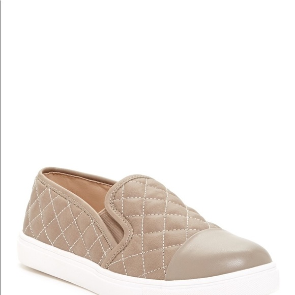 Steve Madden Puffed Quilted Slip On